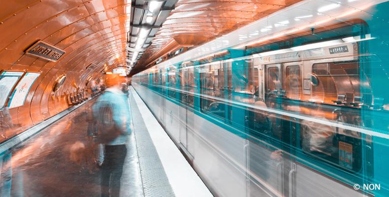 Paris, la station de métro Arts et Métiers, lignes 3 ou 11.